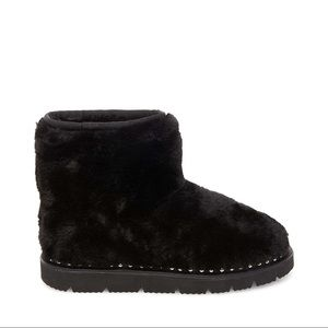 NIB Steve Madden Black Bear Faux Fur Boot Slipper